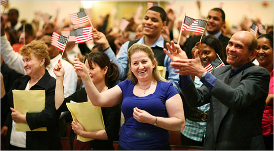 (06/17/10)  Manhattan,  NY  -  (RGL)  -   City Critic Ariel Kaminer goes through the naturalized citizenship ceremony at Baruch College with 125 candidates for US citizenship.      ( Richard Perry / The New York Times )                              NYTCREDIT: Richard Perry/The New York Times